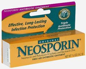 Image Of First Aid Antibiotic Neosporin 05 oz Ointment Tube